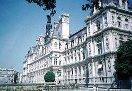 Paris_hotel_de_ville_col